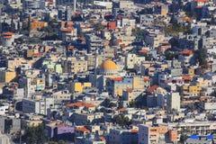 Moslimdistrict in Kfar Kana (Cana van Galilee), Israël stock afbeeldingen