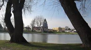 Mosoni-Duna flodbank i Gyor i Ungern Royaltyfria Bilder