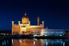 Mosquée d'Omar Ali Saifuddien de sultan au Brunei photo stock