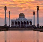 Mosquée dans le songkhla Thaïlande sur le coucher du soleil photographie stock