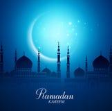 Mosquée de Crescent Moon et de silhouette pour Ramadan Kareem Background Photographie stock