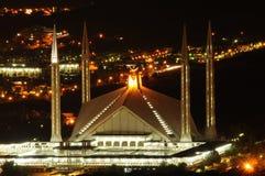 Mosquée de Faisal la nuit Images libres de droits