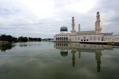 Mosquée de flottement en Kota Kinabalu, Sabah Image stock