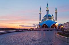 Mosquée de Kul Sharif à Kazan Kremlin au coucher du soleil. La Russie. photographie stock libre de droits
