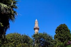 Mosquée de minaret avec le ciel bleu photographie stock libre de droits