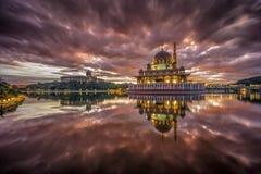 Mosquée de Putra Photos libres de droits
