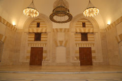 Mosquée du Roi Hussein Bin Talal à Amman (la nuit), Jordanie Photo stock