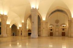 Mosquée du Roi Hussein Bin Talal à Amman (la nuit), Jordanie Photos stock