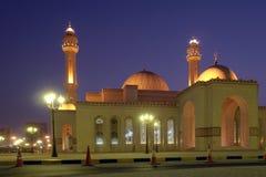 Mosquée grande d'Al-Fateh au Bahrain - scène de nuit Photographie stock