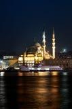Mosquée neuve, Yeni Camii, au crépuscule Photos libres de droits