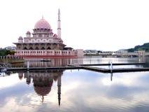 mosquée putrajaya de la Malaisie Image stock