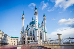 Mosque. On a background of blue sky Royalty Free Stock Photos