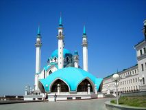 Mosque. On a background of bright blue sky Royalty Free Stock Images
