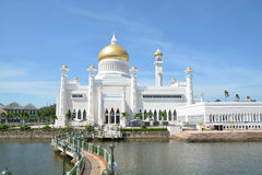 Mosque in BSB, Brunei. Sultan Omar Ali Saifuddien Mosque in Bandar Seri Begawan, Brunei Darussalam. Picture taken in March 2016 Stock Images