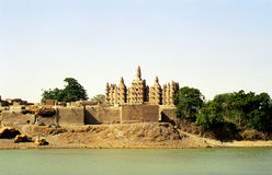 Mosquée de boue, Sirimou, Mali Photo libre de droits