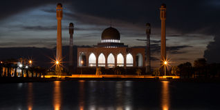 Mosque at night. The biggest mosque in Thailand at night. It has reflection on the water Royalty Free Stock Images