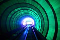 Mosso ferroviario del fondo del tunnel commovente Immagini Stock Libere da Diritti