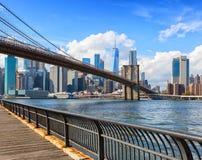 Most Brooklyński z lower manhattan w tle przy dayÂtime, Miasto Nowy Jork, Stany Zjednoczone zdjęcia royalty free