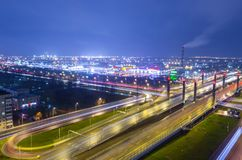 Most Danube aleja przez Pulkovskoe autostradę, Rosja Petersburg 25 Listopad 2017 Obrazy Royalty Free