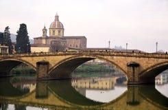 Most i kościół w Florence Zdjęcie Royalty Free