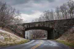 Most i tunel Virginia - Błękitny grani Parkway - obrazy stock