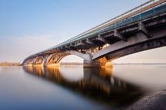 Most i woda z długim ujawnieniem Fotografia Stock