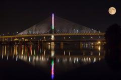 Most & księżyc Zdjęcia Stock