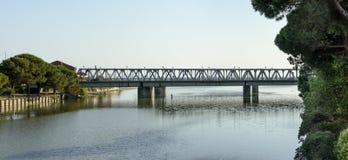 Most na Entella rzecznym ujściu, Chiavari, Włochy zdjęcia stock