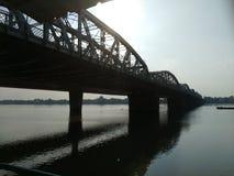 Most na rzece zdjęcia royalty free