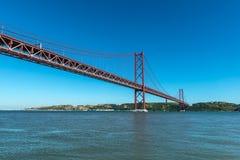 Most na Tagus rzece, Lisbon (Portugalia) Fotografia Stock