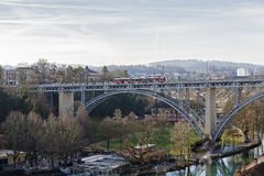 Most nad Aare rzeką w Bern Fotografia Stock