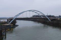 Most nad Cumberland rzekÄ… w Nashville, Tennessee obrazy royalty free