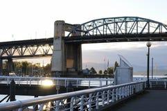 Most nad dopływem fotografia stock