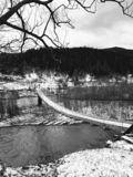 Most nad halną rzeką w Yaremche, Carpathians, Ukraina obraz royalty free