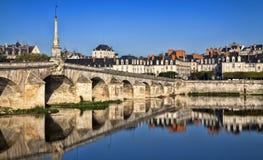 Most nad Loire rzeką w Blois Obrazy Royalty Free