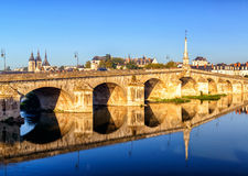 Most nad Loire w Blois, Francja Zdjęcia Royalty Free