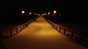 Most nad morzem bałtyckim na zimie Zdjęcia Stock