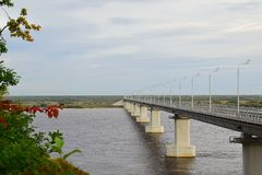 most nad river road zdjęcia stock