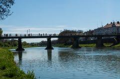 Most nad rzeką obrazy stock