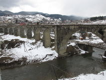 most nad rzeka kamieniem Zdjęcie Stock