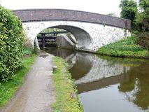 Most nad Uroczystym Zrzeszeniowym kanałem przy Stocker kędziorkiem, Rickmansworth obraz stock
