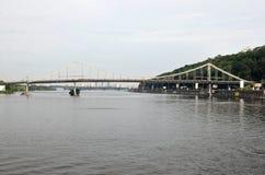 Most przez rzekę Dnipro w Kyiv, Ukraina Obrazy Royalty Free