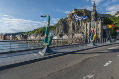 Most przez rzekę Meuse w Dinant, Belgia obrazy royalty free