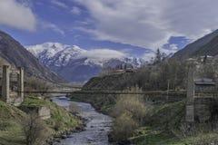 Most przez rzeki alaverdi Caucasus Georgia klasztoru kakheti góry Obraz Royalty Free