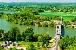 Most przez wonton rzekę przy Les Andelys w Francja zdjęcia royalty free