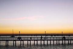 Most rozciąga się zatoki los angeles Paz i jest sylwetkowy w zmierzchu Zdjęcie Royalty Free