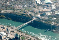 most spadać Niagara tęcza Obraz Stock