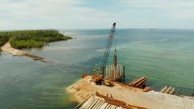 Most w budowie na wyspie Siargao zbiory