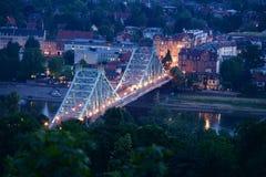 Most w Drezdeńskim nocą obrazy stock