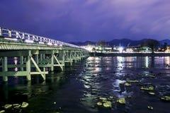Most w Kyoto z długim ujawnieniem zdjęcie stock